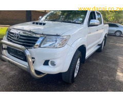 TOYOTA HILUX Raider Model 2012